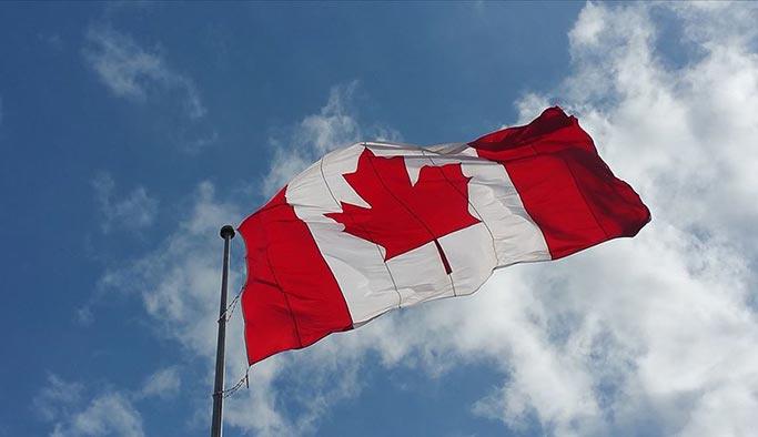 Kanada'da başörtülü iki öğretmen işinden edildi