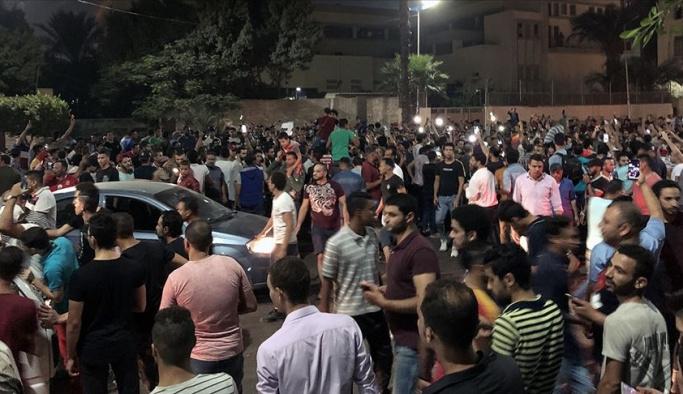 Mısır'da darbeci Sisi'ye karşı gösteriler yayılıyor