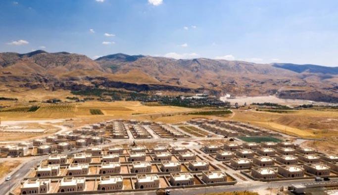 YPG'den temizlenecek alana Suriyeliler için şehirler inşa edilecek