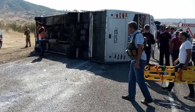 Bingöl-Diyarbakır yolunda otobüs kazası