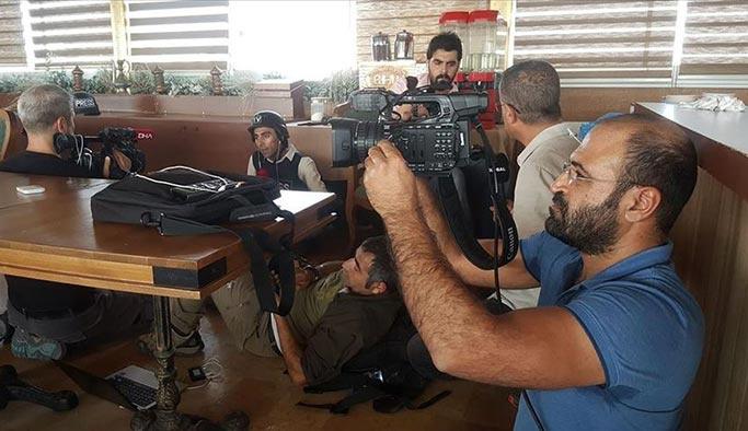 Terör örgütü gazetecilere saldırdı