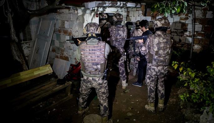 Gaziantep'te bin 720 polisle dev operasyon