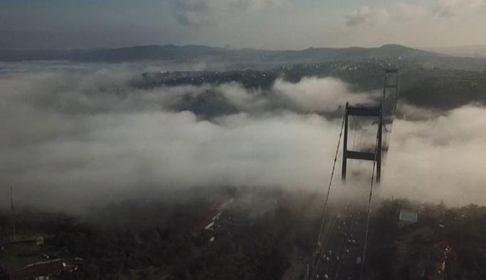 İstanbul'da yoğun sis, bazı seferler iptal edildi