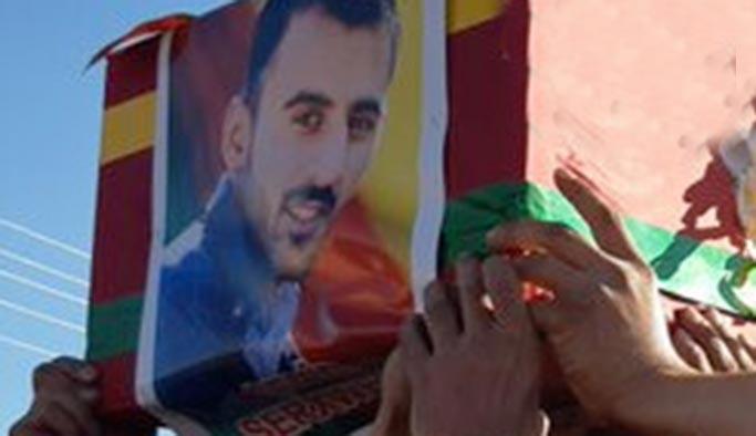 Sivillerin arasına karışıp TSK aracına saldıran YPG'li öldü