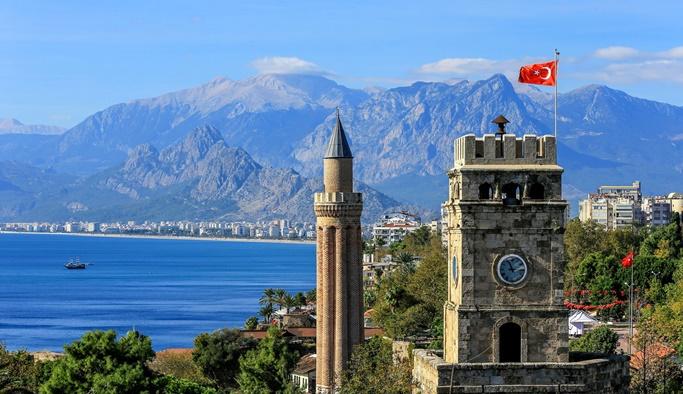 Tatil merkezi Antalya yeni bir rekor kırdı