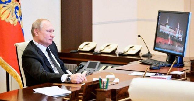 'Ajanları dünyayı hackledi' dedikleri Putin, Windows kullanıyor