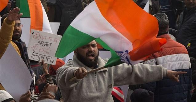 Hindistan'daki gösterilerde ölü sayısı yükseliyor