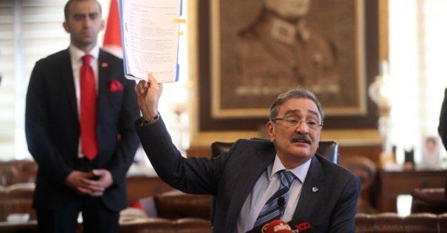 Rüşvet skandalını duyuran Sinan Aygün CHP'den istifa etti