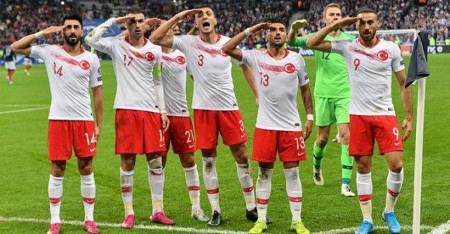 UEFA 'asker selamı' kararını verdi