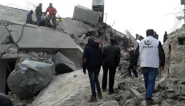 Rusya İdlib'de sivilleri bombaladı