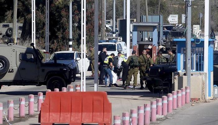 İsrail Ramallah'ın giriş çıkışlarını kapattı