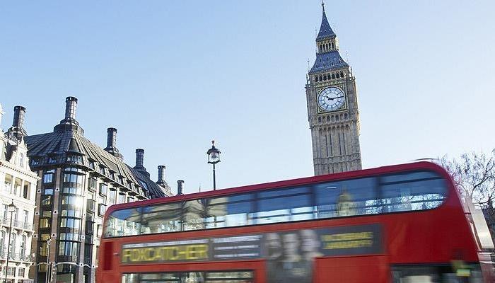 İngiltere'de sahte sosyal hesap açmak suç