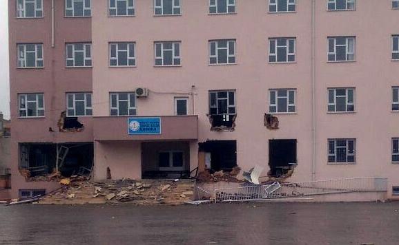 PKK'lılar bu kez okulu yıkmaya çalıştı