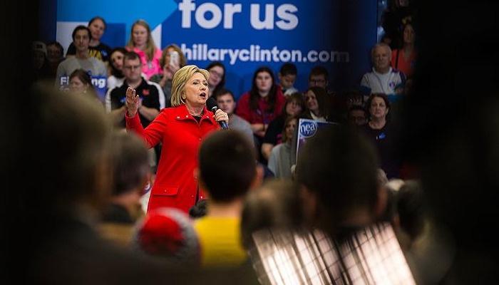 Demokratlar'da ilk seçimi Clinton kazandı