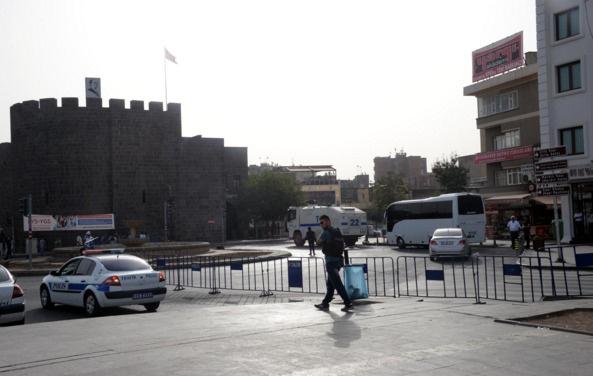 Sur'da dört mahallede daha sokağa çıkma yasağı