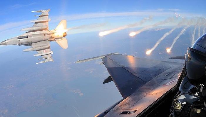 Savaş jetleri PKK kamplarını bombaladı
