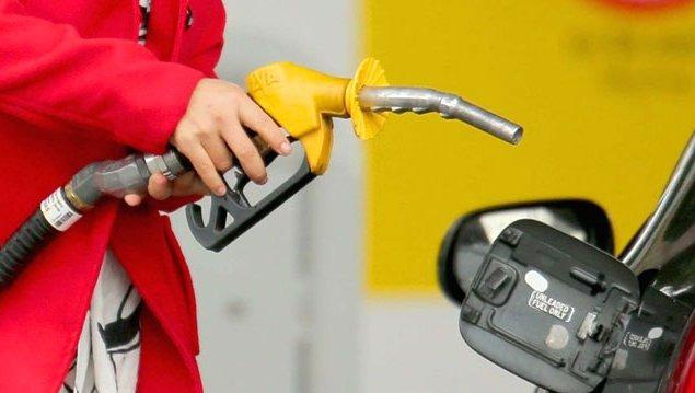 Şirketler petroldeki düşüşün faturasını işçiye kesiyor