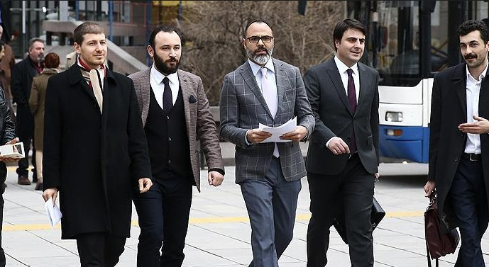 Muhalif MHP'liler kurultay için dava açtı