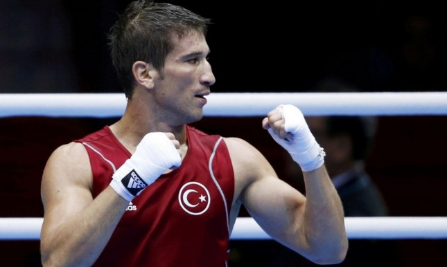 Milli boksör Adem unvanını kaybetti