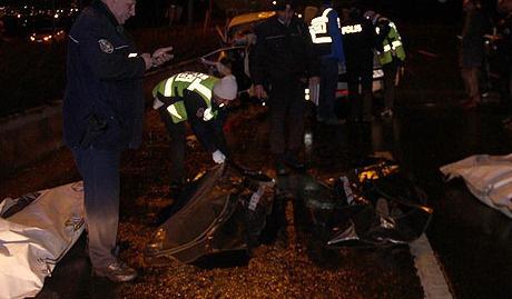 Ters yöne giren araç katliama neden oldu