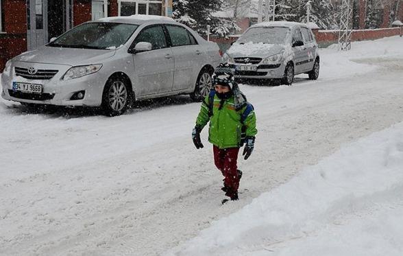 Üç şehirde okullara kar tatili