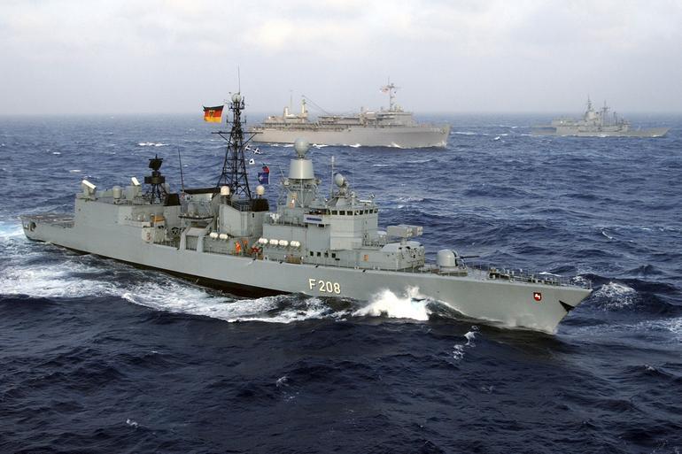NATO'dan mültecilere karşı ilk icraat