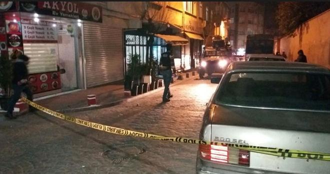 Beyoğlu'nda dernek lokaline ses bombalı saldırı: Bir kişi yaralandı