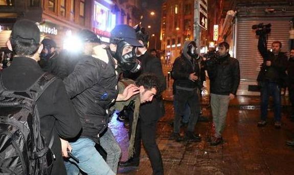 İstanbul'da bazı ilçelerinde gösterilere müdahale