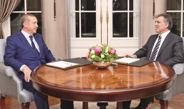 Erdoğan ile Gül Beştepe'de görüştü