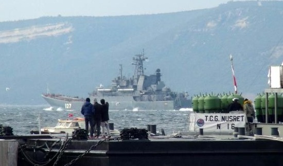 İki Rus savaş gemisi daha Akdeniz'e indi
