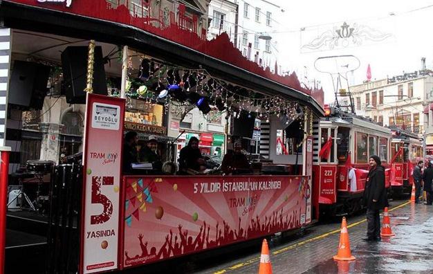 Nostaljik tramvay 102'nci yaşını kutladı