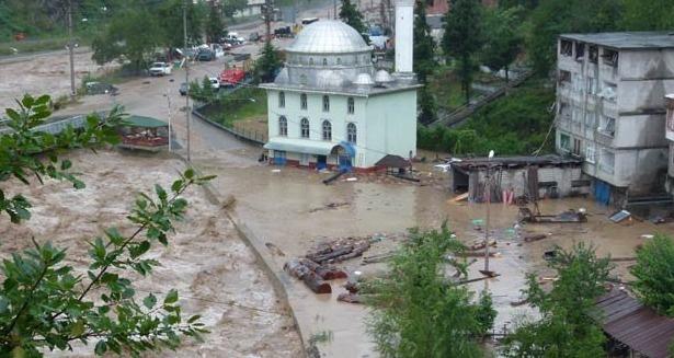 Borçka ve Murgul'daki esnafın kredi borçları ertelendi