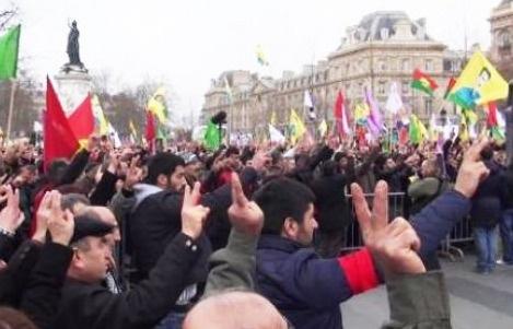 PKK yandaşları Fransa'da camiye saldırdı