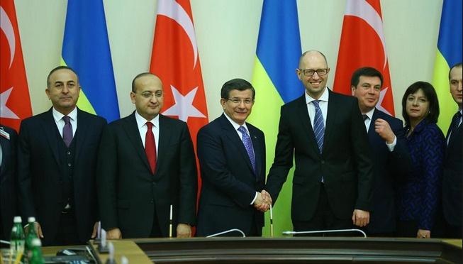 Davutoğlu'dan Rusya'ya: Böyle devam ederse...