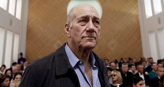 İsrail eski Başbakanı Olmert cezaevine girdi