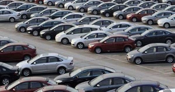 Rusya'da kriz otomobil sektörünü vurdu