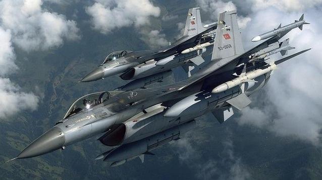 Rus uçakları bir kez daha Azez'e saldırdı