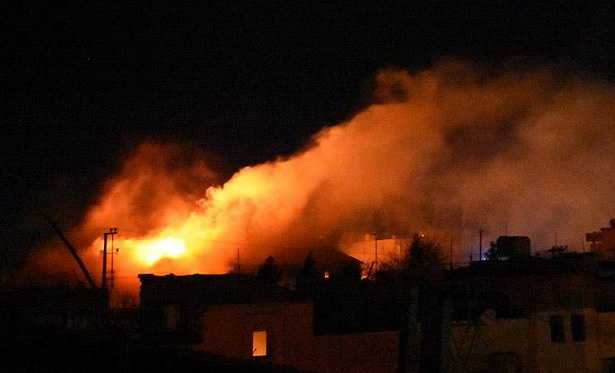 Nusaybin'de okul binası yakıldı