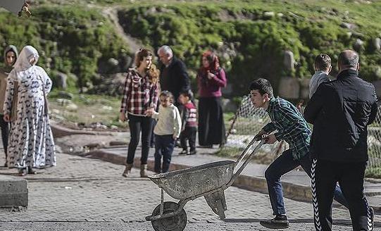 Cizre belediyesi çöpleri toplamıyor
