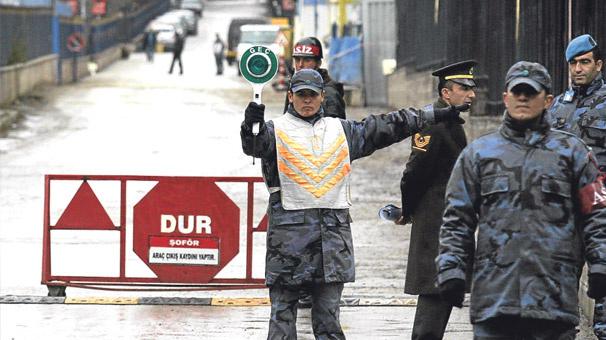 Komik Oda'da 63 asker ve polise soruşturma