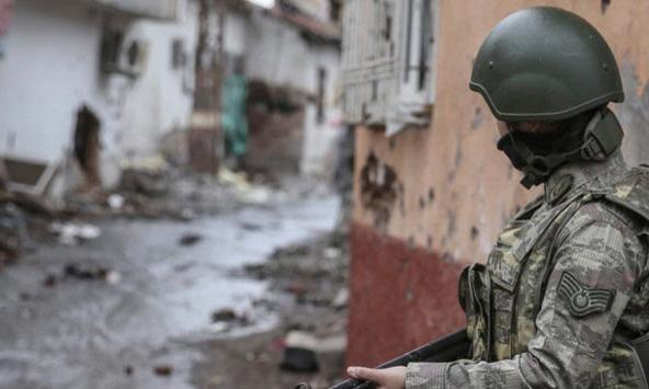 Sur'daki PKK'lılar teslim olmaya başladı
