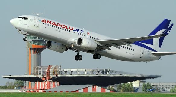 Uçakta kaçak yolcu skandalı