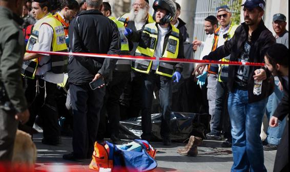 Filistinliye sıkılan kurşun İsrail subayını öldürdü