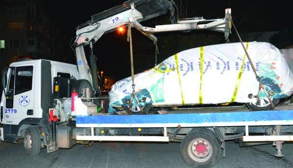 Bomba düzenekli lüks araç Boğaziçi'nde