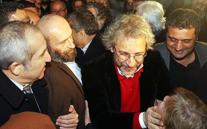 'Casusluk suçlamasıyla' tutuklu gazeteciler tahliye oldu
