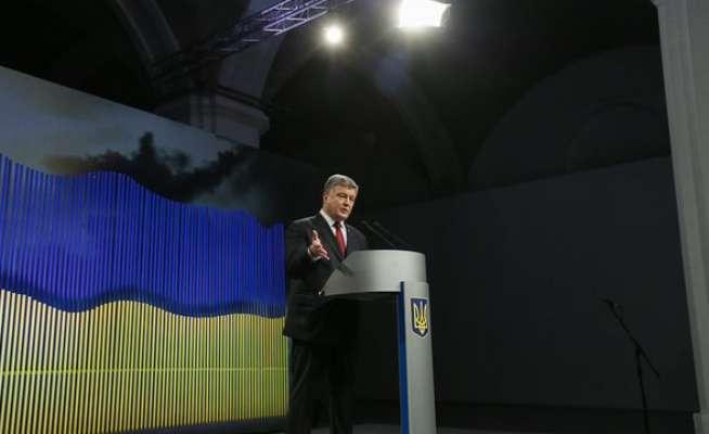 Poroşenko, Rusya'yı hırsızlıkla suçladı