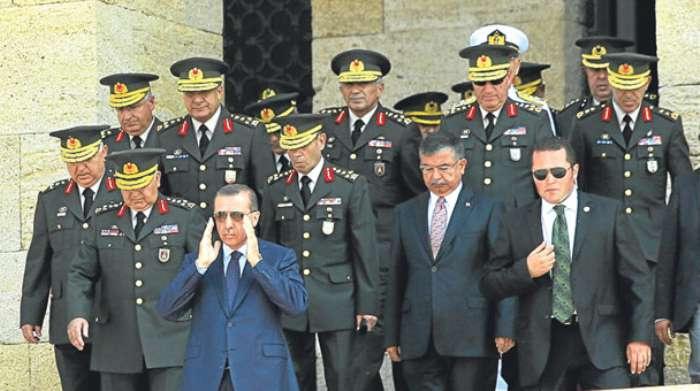 Erdoğan'dan komutana: Terbiyesizlik yapma