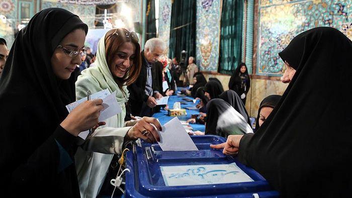 İran'da seçime katılma oranı yüzde 62