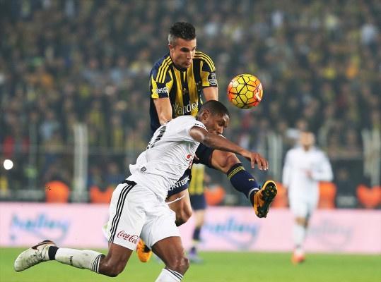 Derbinin galibi bir kez daha Fenerbahçe oldu