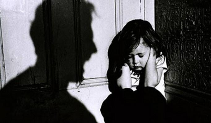 Çocuğa yönelik şiddet tartışılacak
